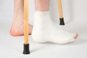 Боли в ступне возле пятки: причины и лечение