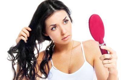 Что нужно делать, если очень сильно выпадают волосы после родов