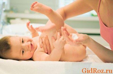 Вы, наверняка, слышали о тальке! Это отличное средство по борьбе с опрелостями и высыпаниями на коже малютки!