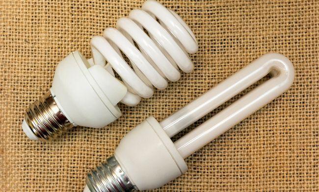 Энергосберегающие лампы: 4 факта о возможном вреде для здоровья