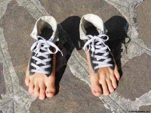 Как обработать обувь от грибка?