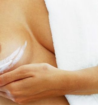 Как предотвратить растяжки на груди