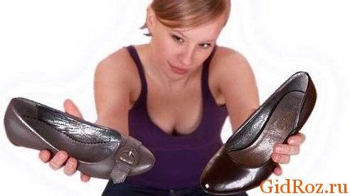 Порой запах связан напрямую с качеством обуви! Хорошая обувь стоит недешево, но позволит избавиться от проблемы!