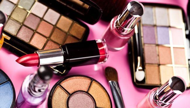 Какая парфюмерия и косметика может быть опасной?