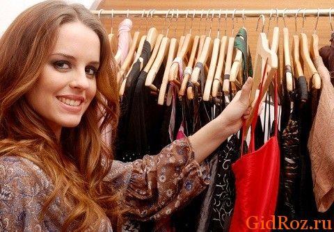 Выбирая одежду, обратите внимание не столько модна ли она, сколько из чего она изготовлена! Искусственные ткани - нередкая причина потения!