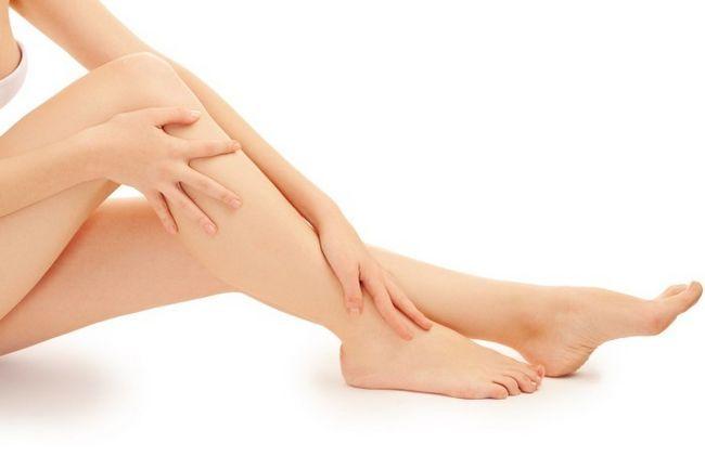 Красные пятна на ногах: что это и чем лечить