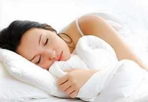 Почему немеют руки по ночам, затекают во время сна?