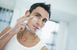 Почему появляются прыщи после бритья?