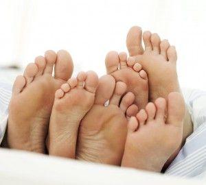 Почему возникает повышенная потливость ног? Методы лечения и профилактика