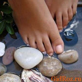 Пожалуй, самым действенным и проверенным способом была и остается личная гигиена! Регулярное мытье ног и стирка носков позволит уменьшить проблему!