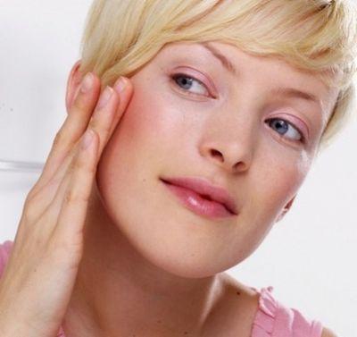 Прыщи на щеках: избавляемся эффективно