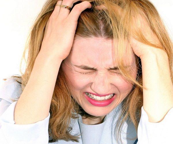Причины возникновения псориаза головы
