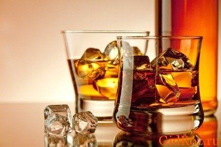 В разумных пределах спиртные напитки не повредят, но в данном случае стоит выбрать - или они, или красота!