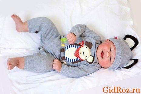 Главная профилактика проблемы - одевайте ребенка так, чтобы кожа его могла дышать!