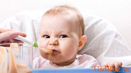 Аллергия - это, как правило, реакция на что-либо, например, на еду! Подумайте, не кормили ли Вы ребенка чем-то новым для него?