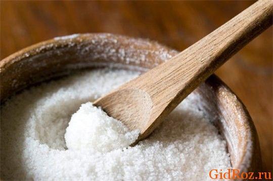 Средство от пятен, которое есть на каждой кухне! Просто приготовьте раствор соли, и о пятне можно забыть!