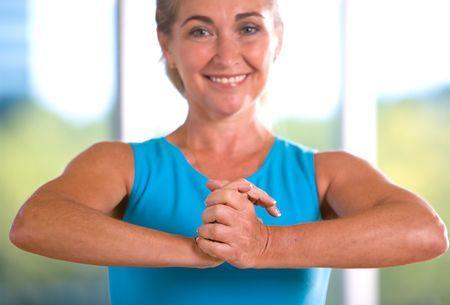 упражнение для увеличения бюста