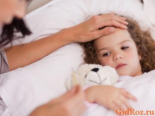 Повышенное потоотделение ребенка может быть связано с повышением температуры при простуде или инфекции!